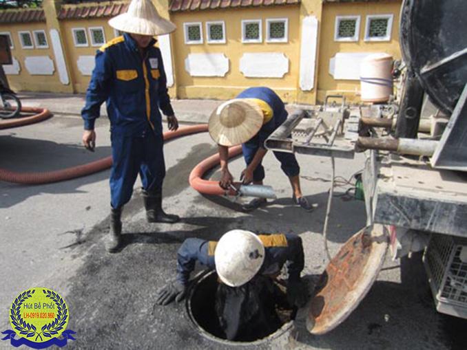 Thông cống hút bể phốt uy tín tại Hà Nội LH: 0944.762.999